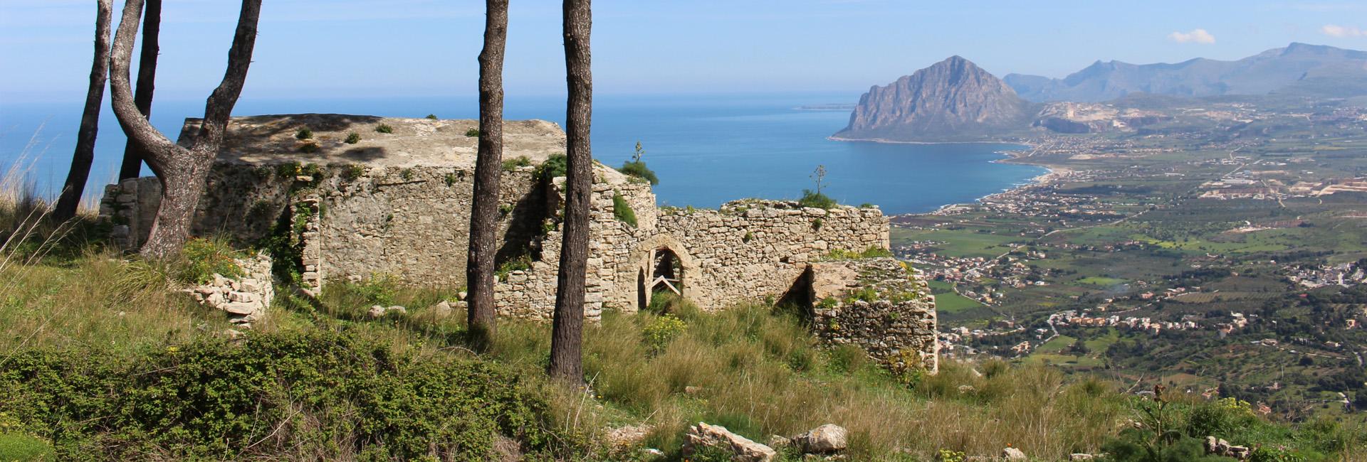 Porta Castellammare – Tre chiese