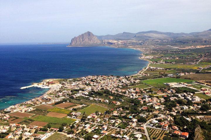 Panorama su Bonagia ed il suo golfo