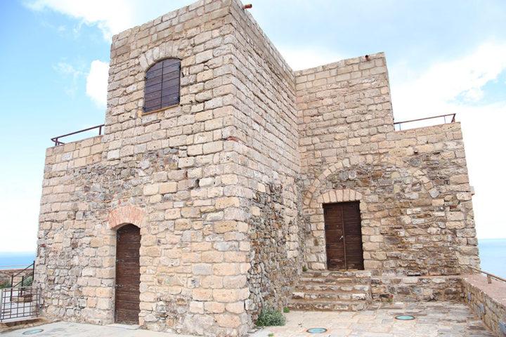 castello-punta-troia