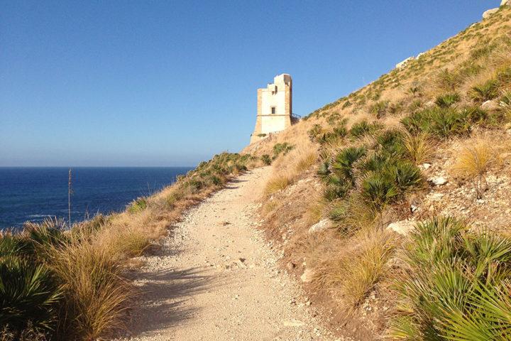 La Torre di San Giovanni dal sentiero