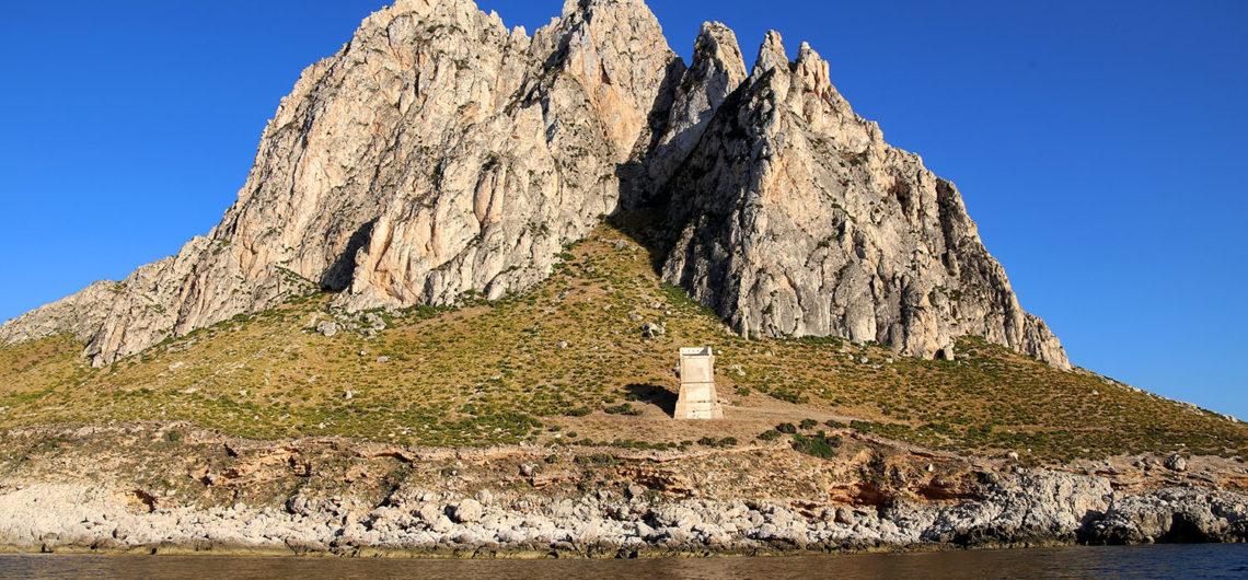 torre-di-san-giovanni-dal-mare
